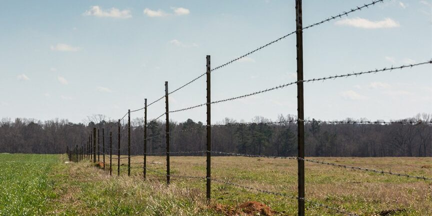barbed wire fence contractor Austin